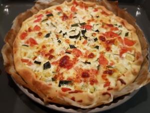 Simple zucchini and tomatoes quiche